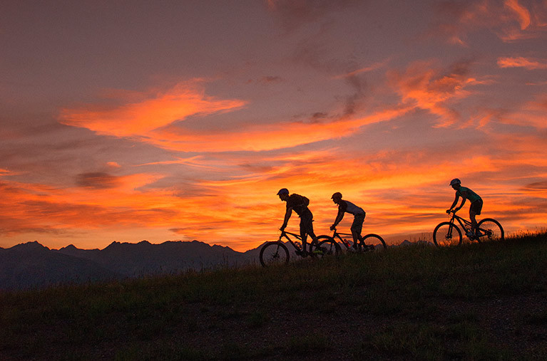 MountainBikersDusk